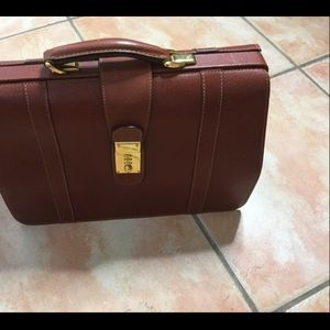 Gucci Bags - GUCCI auth. Vintage Brown Briefcase Combo Lock